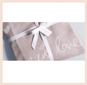 Katie Loxton - 'Wrapped up in Love' Blanket